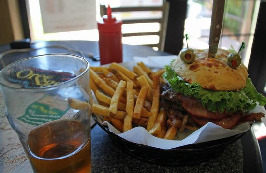 Nookies : My Gut Burger looked like a monster staring back at me with a knife in its skull.  Cute presenta