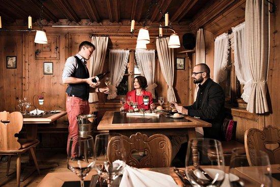 Restaurant Stuevas Rosatsch : über 400 premium Weine - persönlicher Service