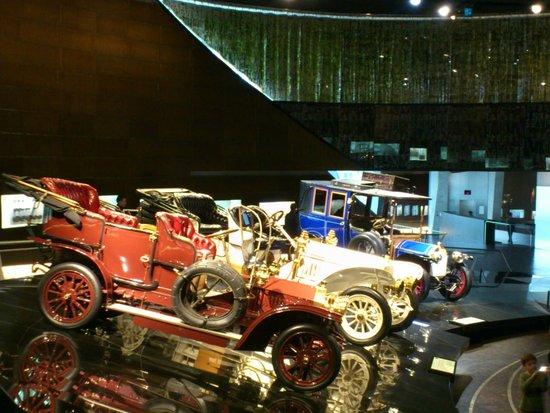 Mercedes-Benz Museum: Mercedes Benz Museum