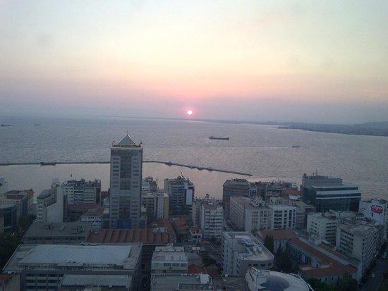 Hilton Izmir : İşte Hilton manzarası