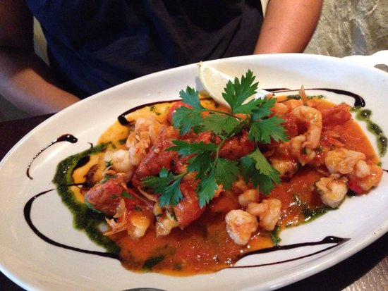 Zaza Ruislip: Gamberoni Picante... Yes!! that is the portion size!!