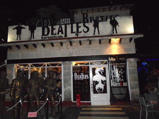 Beatles Bar: outside