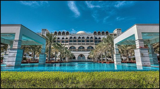 Jumeirah Zabeel Saray: JZS Hotel & Pool