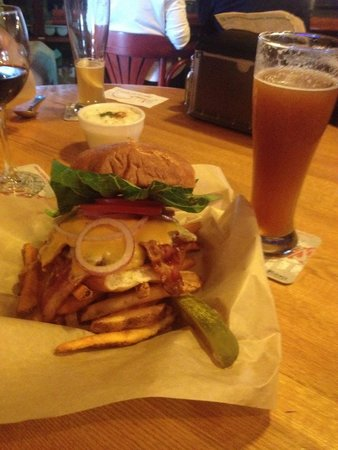 Bennett's Fish Shack: Smoked bacon burger