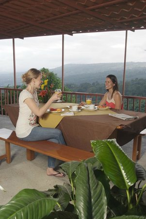 Turrialba, Costa Rica: Comfortable patio for relaxing