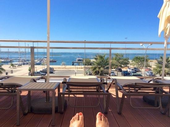 Real Marina Hotel & Spa : sat at the pool on the first floor looking at the sea