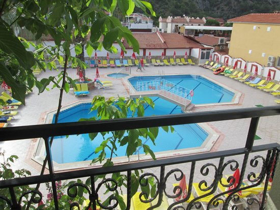 Hotel Karbel Sun: pool view room