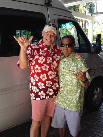 Oahu Spot Tours: Hanging loose with Ron!