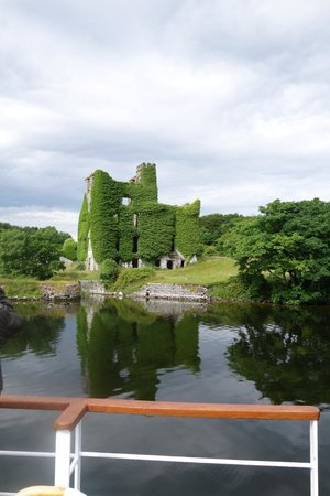 Corrib Princess River Cruise : View of castle from the boat