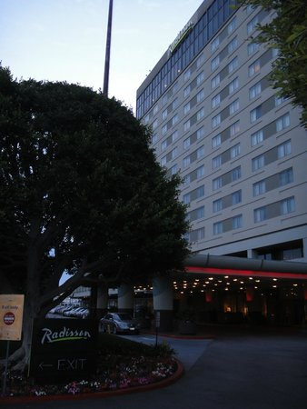 Hyatt Regency Los Angeles International Airport: Radisson Hotel at Los Angeles Airport
