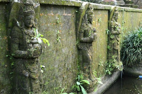 Saraswati Temple: more stone work
