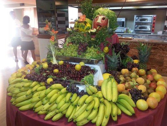 Hotel Seramar Luna Luna Park: fruits