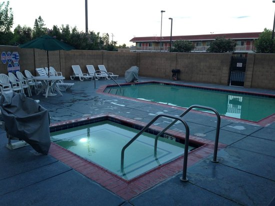 Comfort Suites Turlock : Small pool