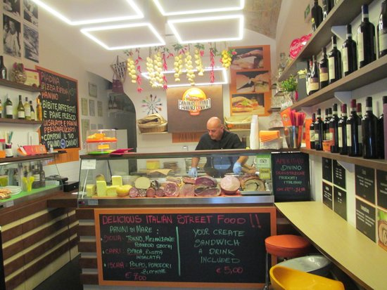 Panino Divino: GOOD VALUE GREAT PEOPLE...do your self a favor visit them!