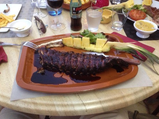 Restaurante La Hacienda: Op de BBQ de te lekkere spareribs. Mmmm en all you can eat
