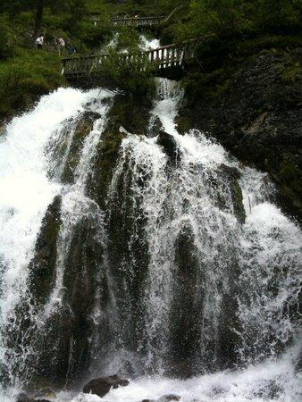 Albergo Dimaro: cascate vall'asinella