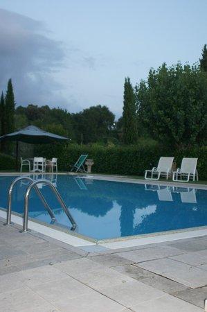 Podere Poggiluglio: The pool at the deep end
