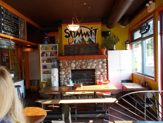 The Summit Cafe : Inside