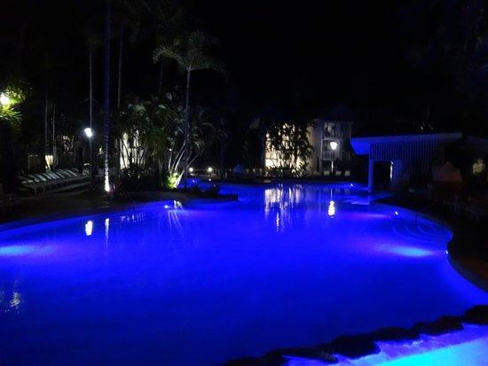 QT Port Douglas: piscina