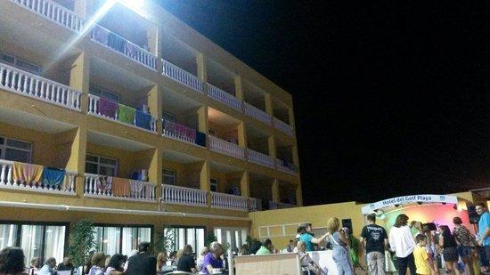Hotel del Golf Playa : Terraço onde decorre a animação nocturna.