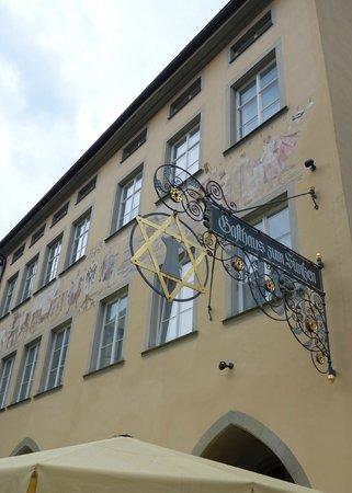 Gasthaus Zum Suenfzen: outside