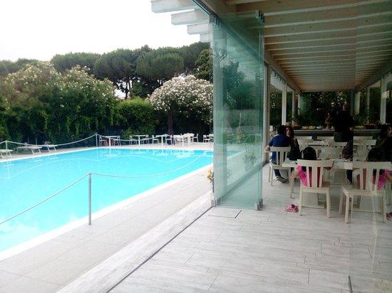 Italiana Hotels Florence: Ristorante e piscina