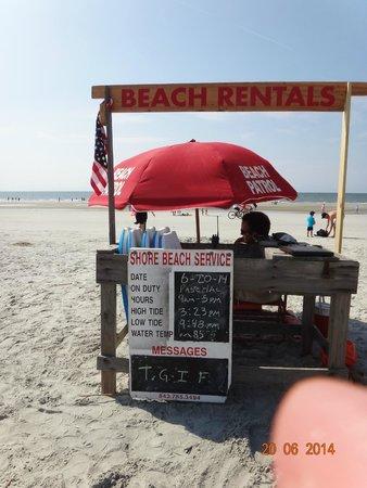 Beach House, A Holiday Inn Resort: praia em frente ao hotel