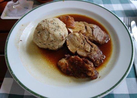Gasthaus Zum Suenfzen: roast pork and dumpling