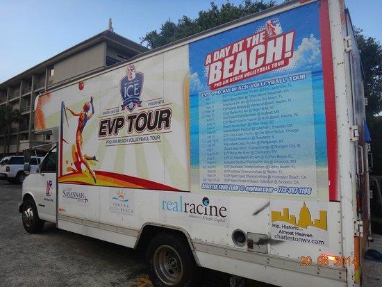Beach House, A Holiday Inn Resort: campeonato de volei de praia no verao