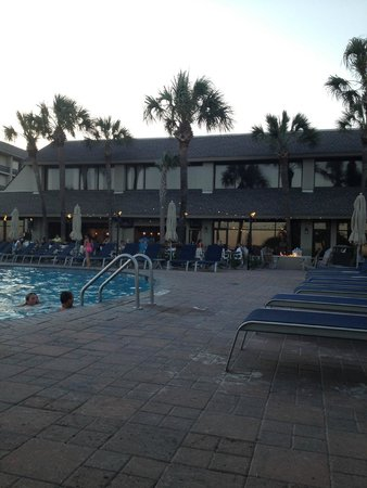 Beach House, A Holiday Inn Resort: piscina