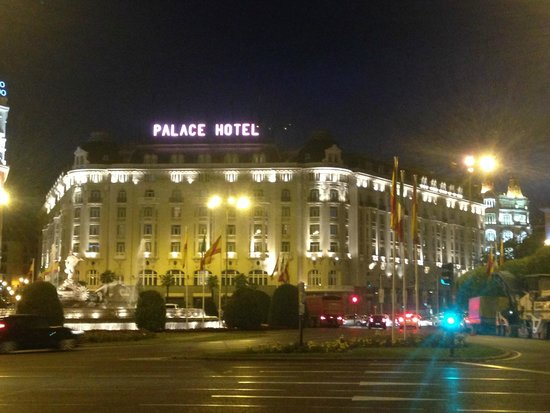The Westin Palace Madrid: Fachada del hotel