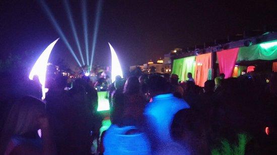 Hotel Riu Kaya Belek: neon party