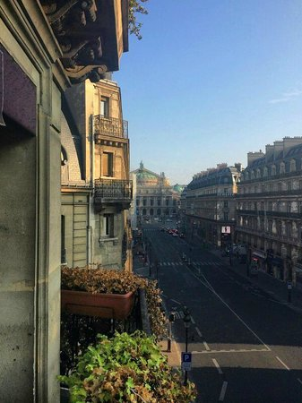 Hotel Edouard 7 : View towards Opera Garnier from hotel room balcony