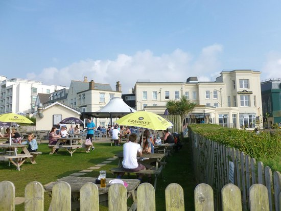 Great Western Hotel: Beer garden at the back of the Great Western