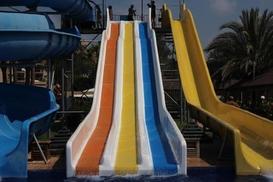 Crystal Tat Beach Golf Resort & Spa : aqua park rides