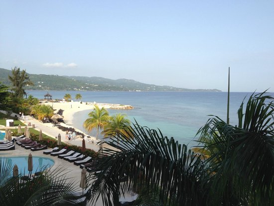 Secrets Wild Orchid Montego Bay: Beach area