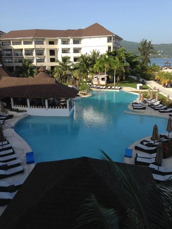 Secrets Wild Orchid Montego Bay: Pool area