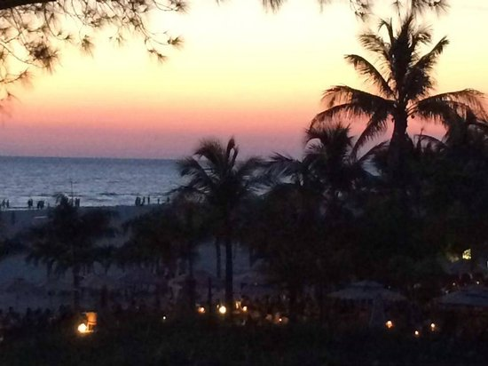 Saint Pete Beach: Sunset on the beach
