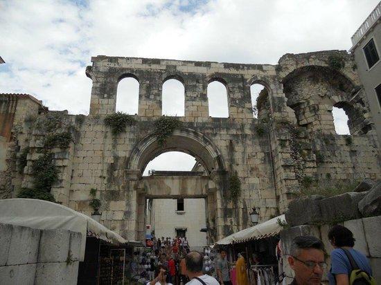 Eastern (Silver) Gate: Porte pour aller au centre du palais