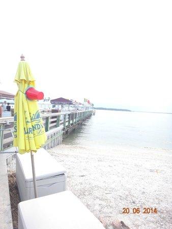 Harbour Town Lighthouse: pier marina