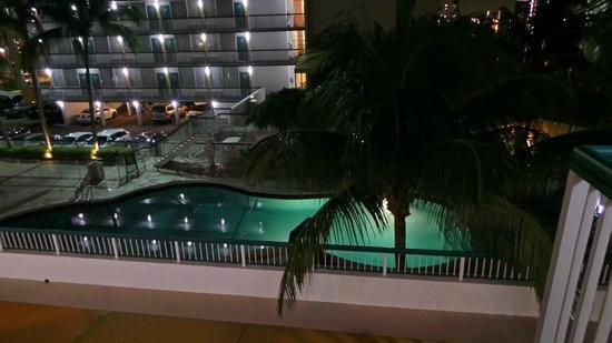 BEST WESTERN On The Bay Inn & Marina : la piscine