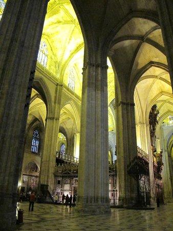 Seville Cathedral (Catedral de Sevilla): Inside Seville Cathedral