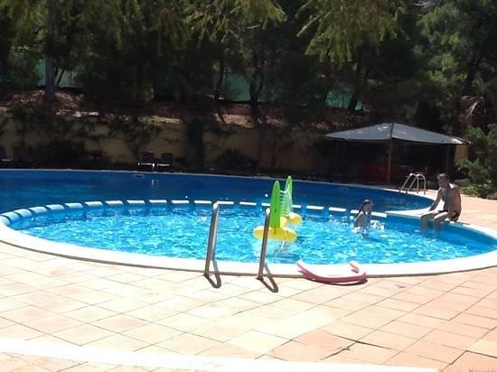 Residence Abbaechelu: piscina