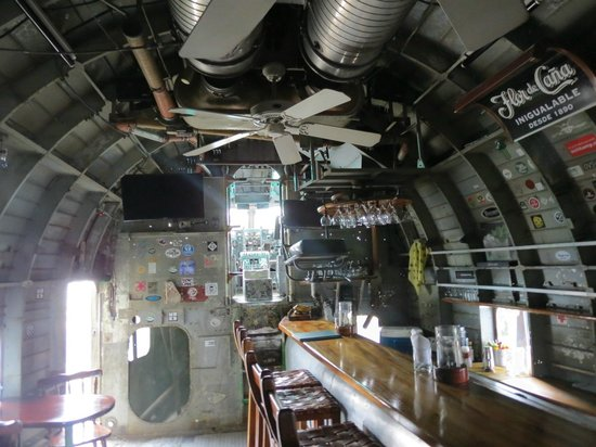 El Avion: The cockpit
