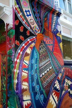 Extranomical Tours : Women's Building Mural