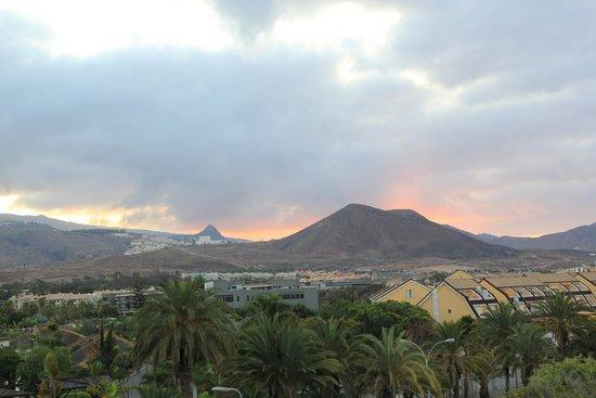 Hotel-Apartamentos Andorra: Sunset from the balcony