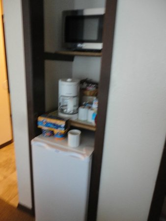 Breakers Hotel and Condo Suites: Refrigerator/Microwave/ Coffee Maker
