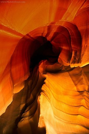 Overland Canyon Tours : Antelope Canyon lit at night