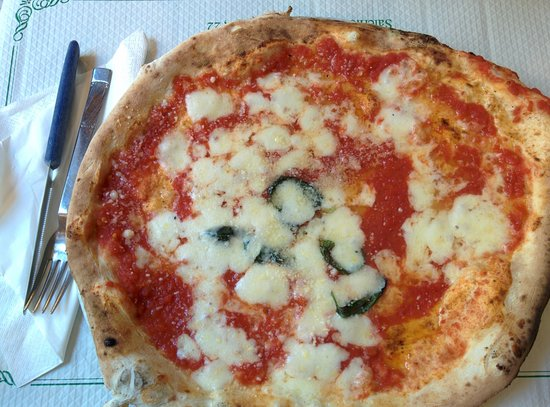 Trianon da Ciro: pizza margherita del Trianon