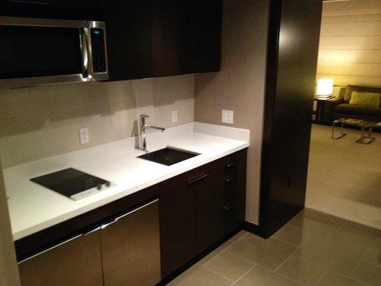 Vdara Hotel & Spa: Kitchen area
